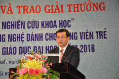 Nguyễn Văn Phúc, Deputy Minister of Education and Training speaking at the ceremony