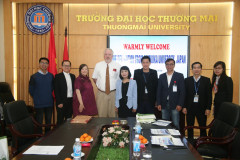 Shizuaka Univesity, Japan pays a working visit to Thuongmai University