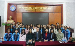 Thuongmai University receives and works with Representatives of Lunghwa University, Taiwan