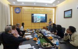 Thuongmai University receives and works with University of West Australia (Australia)
